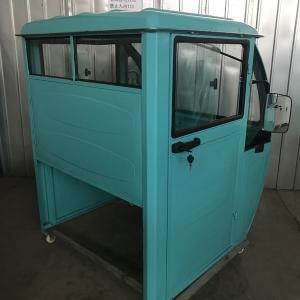 1080宽三轮车驾驶室